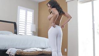 North-easter natty MILF whore Lisa Ann gets cum after an ass fuck