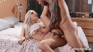 Blonde whore likes it deep and soaked into her fanny